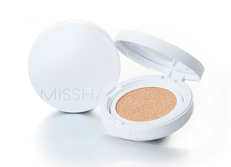 missha-magic-cushion-moist-up_5